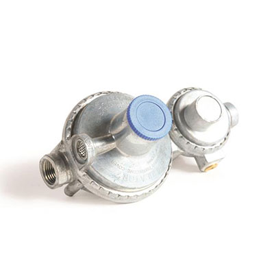 Propane Regulator - Camco 2-Stage Vertical Mount Propane Regulator 1/4